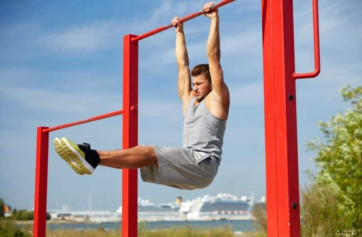 calisthenics vs weights bodybuilding