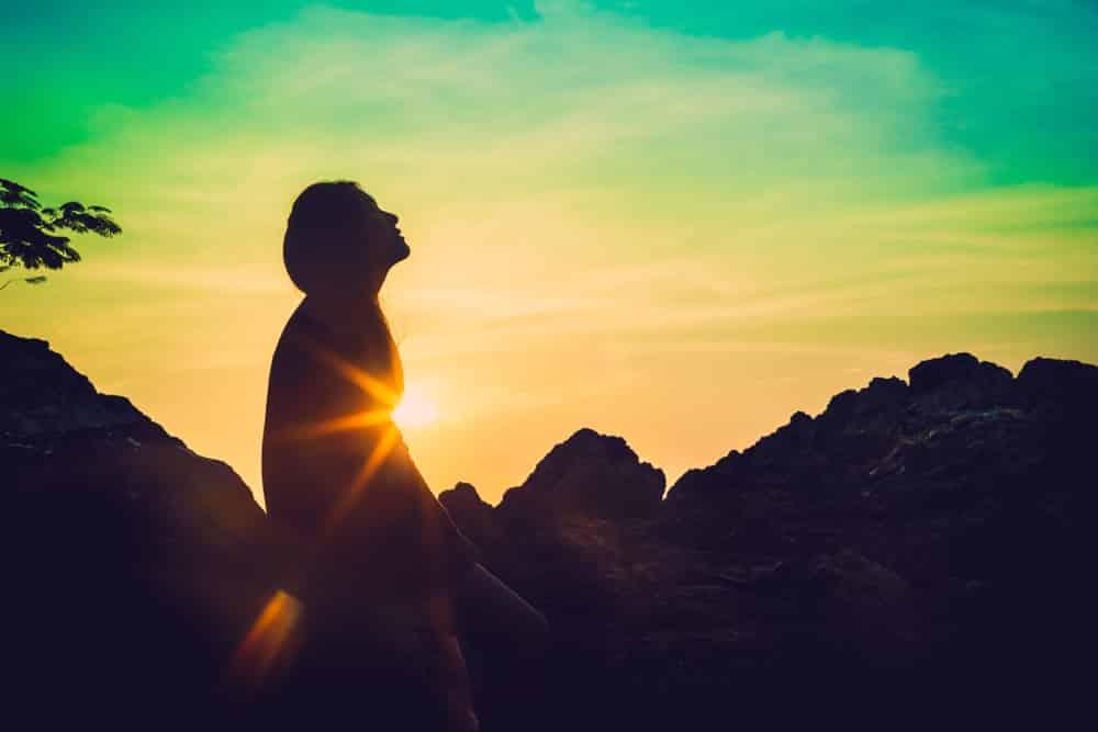 how does mantra meditation work