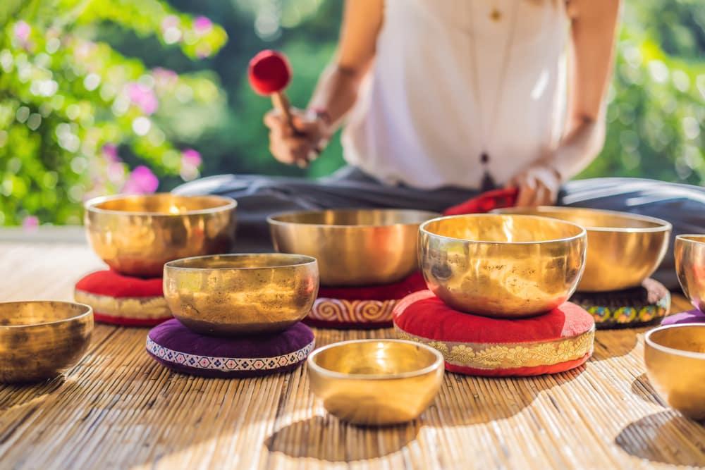 yoga asanas for emptying mind