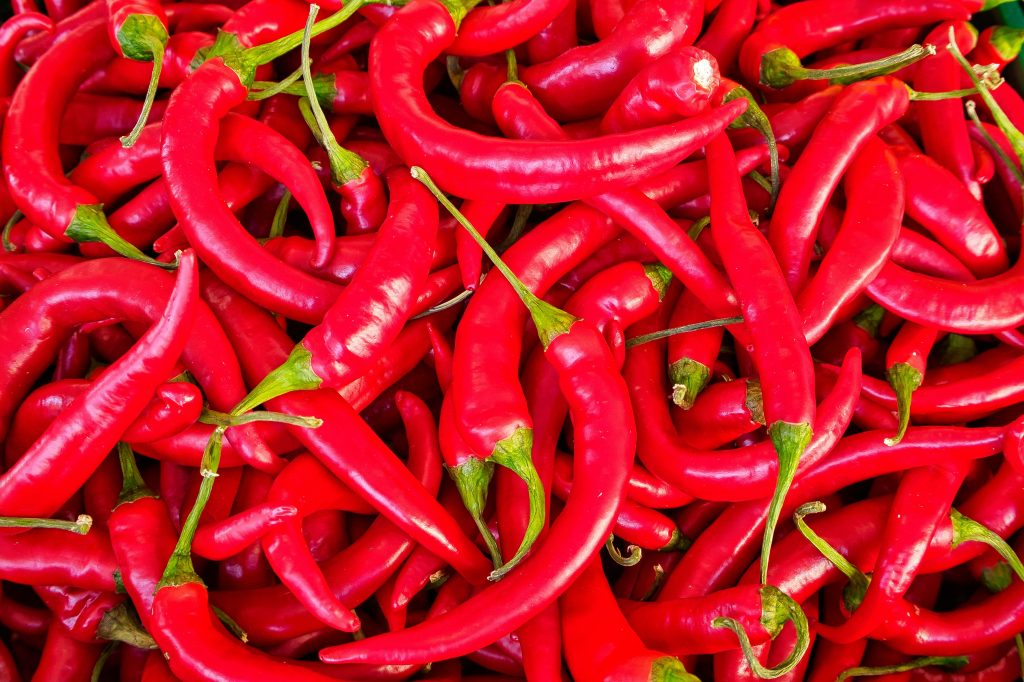 benefits of eating hot peppers daily