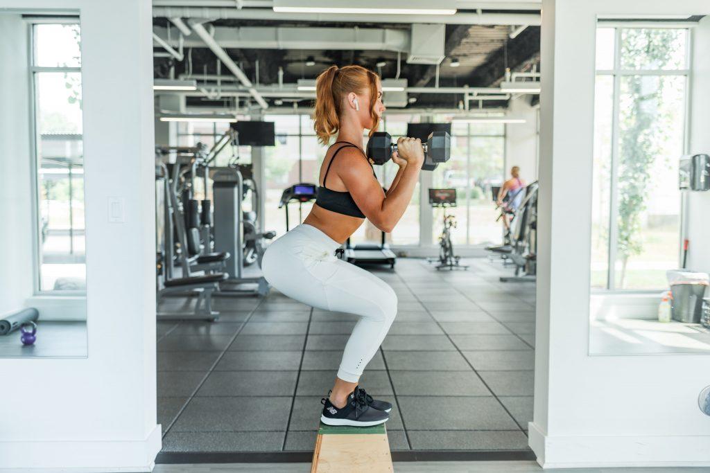 dumbbell squat vs deadlift