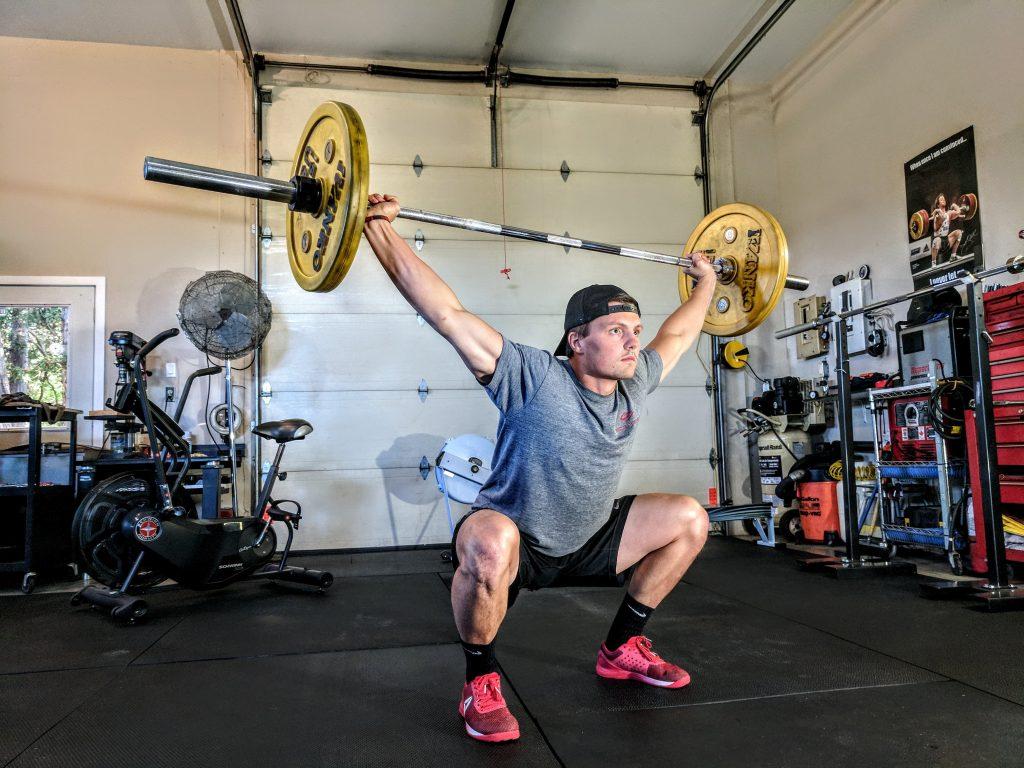 squat vs deadlift for glutes