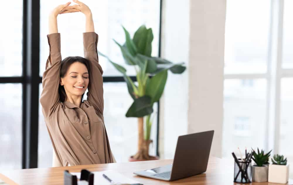 benefits of stretching at work