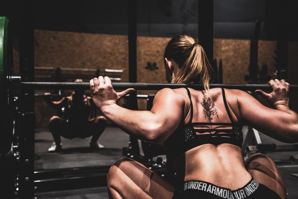 sumo deadlift vs squat