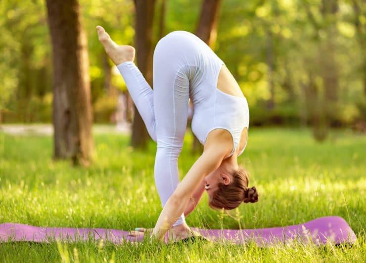 yoga poses to relax neck and shoulders