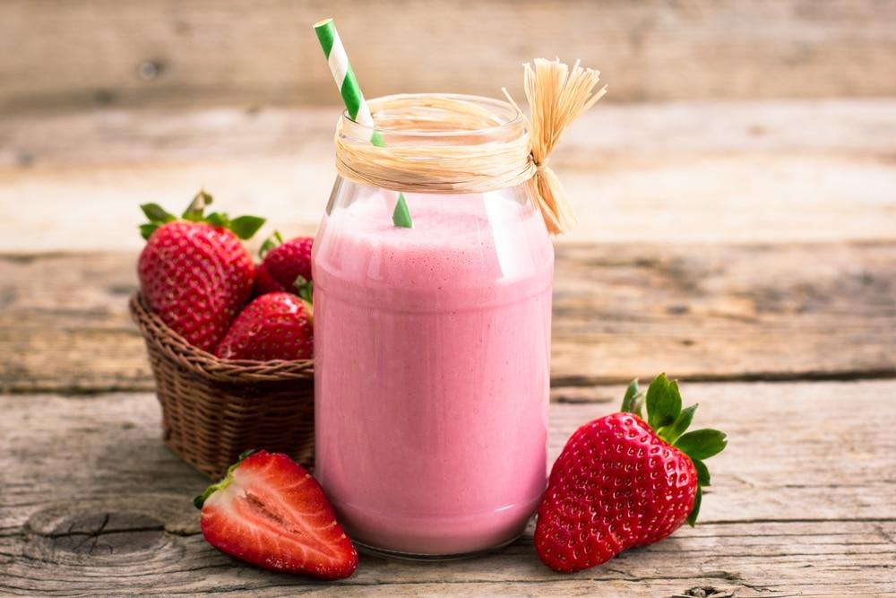 fiber in strawberries