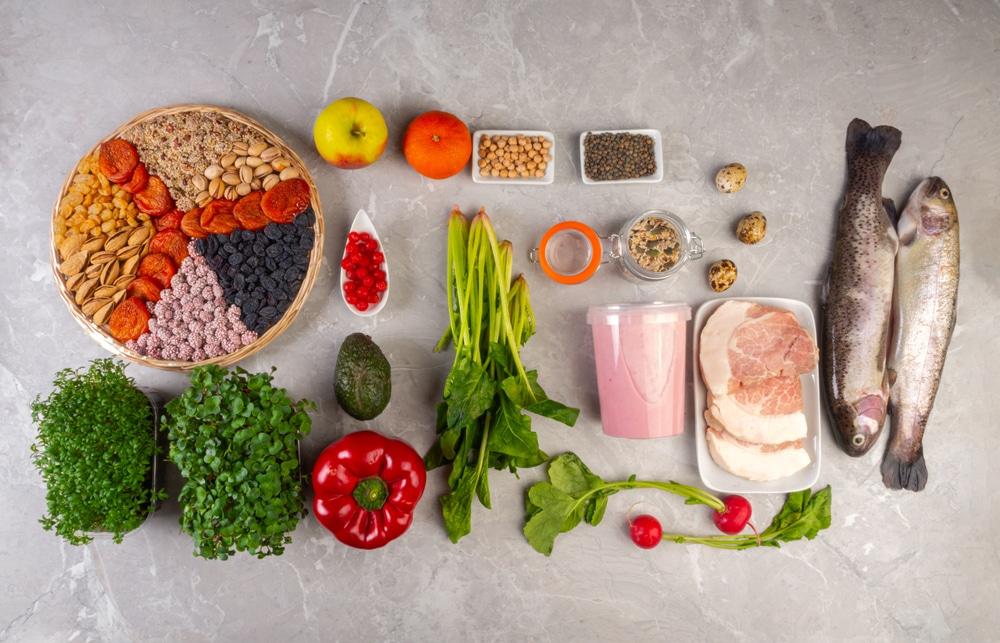 Pregnant,Woman,Eating,Healthy,Food,Containing,Folic,Acid,,B9,Vitamin.