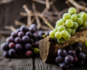 green grapes calories